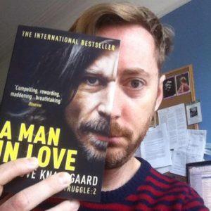 İşte bir cesur: Jonathan Gibbs. Why Knausgaard başlıklı yazısını okuyun derim: http://wp.me/pPUsb-gl